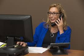 9 Alasan untuk menjawab telepon dari sales kartu kredit